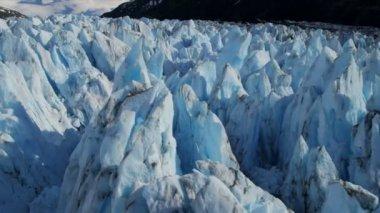 Knik 冰川和楚加奇山 — 图库视频影像