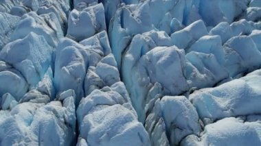 Glacier moving under own gravity — Stok video