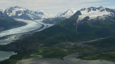 Columbia glacier medial moraine — Stockvideo