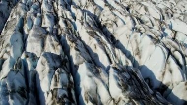 Glacier moving under its own gravity — Video Stock