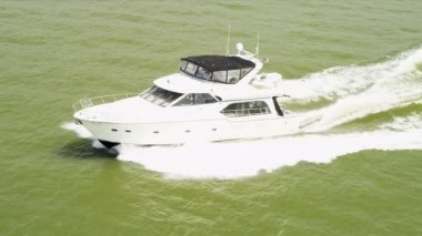 Aerial view luxury cruiser — Vídeo de stock