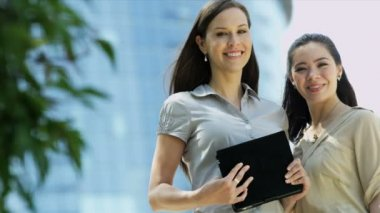 Businesswomen with laptop — Video Stock