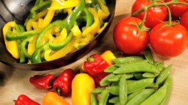 Fresh Organic Stir Fried Vegetables — Stock Video