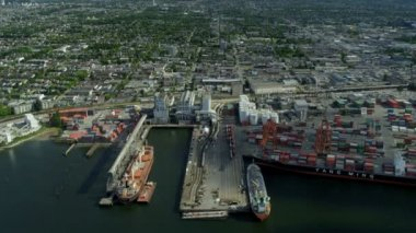 Aerial view freight tankers Vancouver harbour — Stock Video