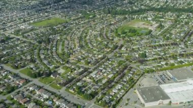 Aerial view residential commuter homes east of Vancouver — Stok video