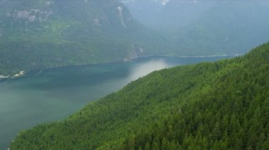Aerial view Harrison Lake freshwater lake wilderness area Rocky Mountains, Canada — Stock Video