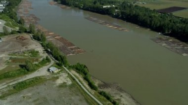 Aerial view of log boom Fraser River, Vancouver — Stock Video