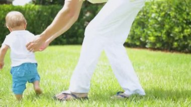 Boy enjoying walking barefoot — Stock Video