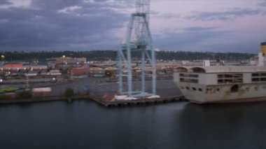 Aerial view bulk carrier Harbor Island Port of Seattle, USA — Stock Video