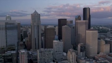 Aerial view sunset  Columbia Centre Smith Tower, Seattle, USA, — Stock Video