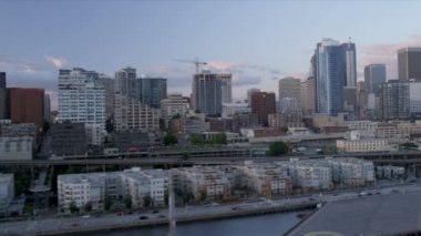 Aerial coastal view at sunset downtown Seattle Waterford Park, USA — Stock Video