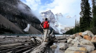 Male hiker Lake Moraine, Banff, Alberta, Canada — Stock Video