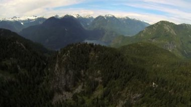 Aerial view snow capped Peaks mountain valley wilderness, Canada — Stock Video