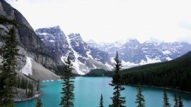 Lake Moraine Banff National Park, Canada — Stock Video