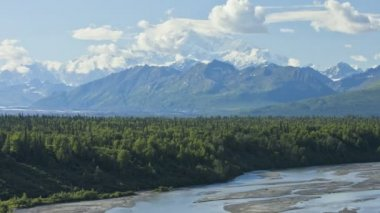 Mt McKinley, Denali State Park, Alaska, USA, Time lapse — Vídeo de stock