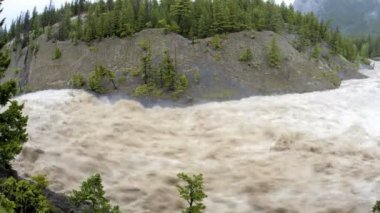 Flood water flowing down river USA, Time lapse — Stock Video