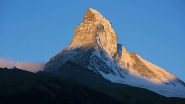 Sunrise at majestic Matterhorn summit — Stock Video