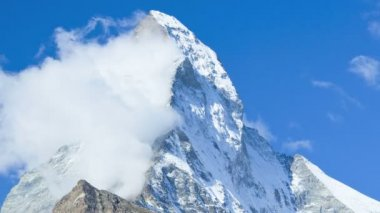 Cloud formation on Matterhorn summit — Stock Video