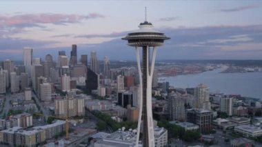 Aerial sunset view Space Needle downtown, Seattle, USA — Stock Video