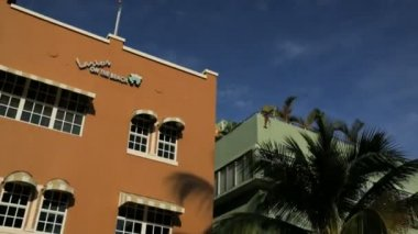 Ocean Drive hotels and condominiums — Vídeo de stock
