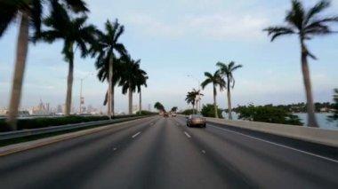 Körning i trafik på motorväg — Stockvideo