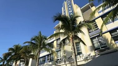 Restaurants on Ocean Drive — Stockvideo