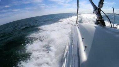 Speeding motor yacht — Stock Video