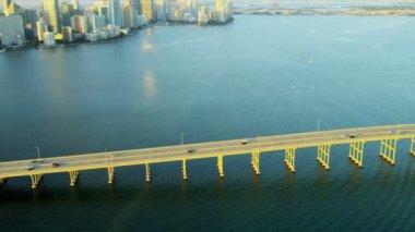 Aerial view of bridge in Miami, Florida — Stok video