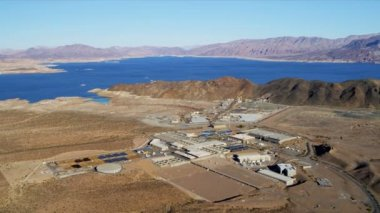 Aerial view industrial plant, Lake Mead — Stock Video