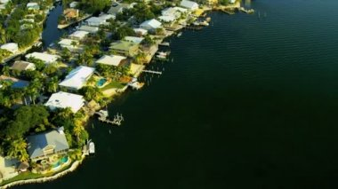 Aerial view Key Largo homes, nr Miami — Stock Video