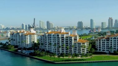Exclusive luxury apartments in Fisher Island — Stock Video