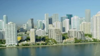 Aerial view luxury hotels and condominiums, Miami — Stock Video