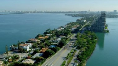 Luxury homes in Venetian Causeway — Stock Video
