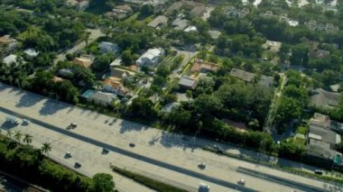 Aerial view vehicles on  suburban Freeway, Miami — Stock Video