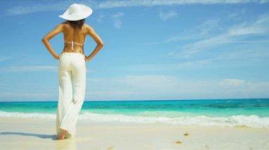 Tanned Girl Enjoying Peaceful Island Lifestyle — Stock Video