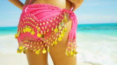 Lower Body Close Up Slim Girl Bikini Beach Wrap — Stok video