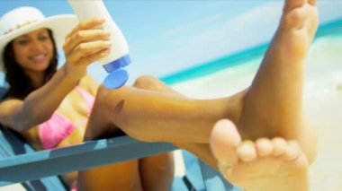 Latin American Girl Using Sunscreen Luxury Vacation — Stock Video