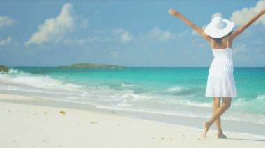 Carefree Girl Loving Island Lifestyle — Stock Video