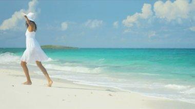 Smiling Young Female Enjoying Beach Lifestyle — Stock Video
