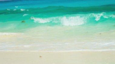 Hispanic Girl Luxury Beach Vacation — Stock Video