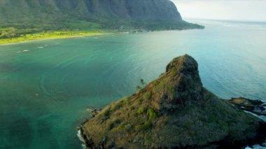 Aerial view Mokolii, Kaneohe Bay, Hawaii — Stock Video