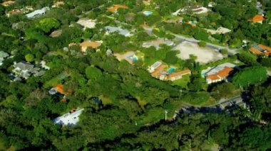 Aerial view exclusive  residential properties nr Miami — Stock Video