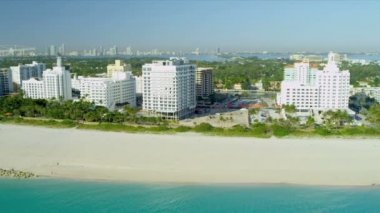 Aerial view Miami Beach  resort hotels — Stock Video