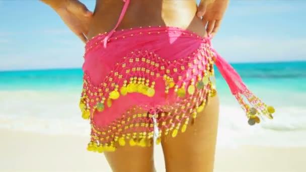 Девочки пляжные крупным планом видео фото 448-620