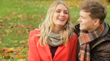 Young Caucasian couple in the park — Stock Video