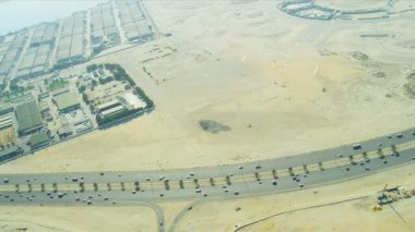 Aerial view desert expressway   Dubai — Stock Video