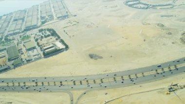 Aerial view desert expressway   Dubai — Stock Video