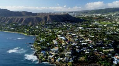 Aerial view of coastal luxury homes, Hawaii — Stock Video
