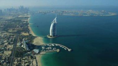 Aerial view Burj Al Arab, Jumeirah Beach Hotel Dubai — Stock Video