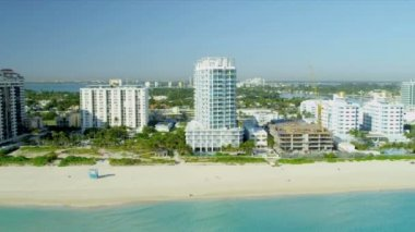 Aerial view Miami Beach  resort hotels — Stock Video